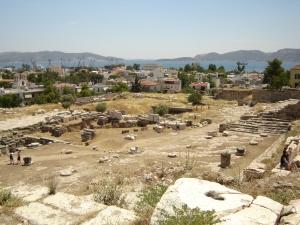 Blick über das Ausgrabungsgelände von Eleusis (gemeinfrei)